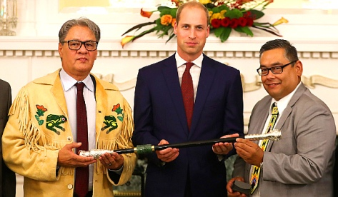 The Duke of Cambridge places a Ring of Reconciliation upon the Black Rod, Sept 26, 2016 (Photo by Chris Jackson/Getty Images)